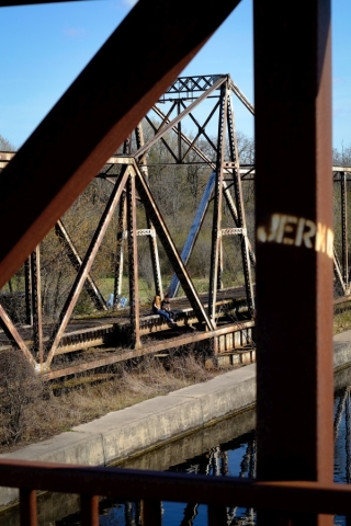 Canon FD 50mm - Fuji XT1 (Velvia) - Peterborough Old Rail Bridge